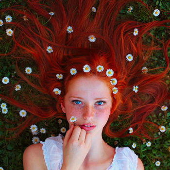 colored-flower-hair-2