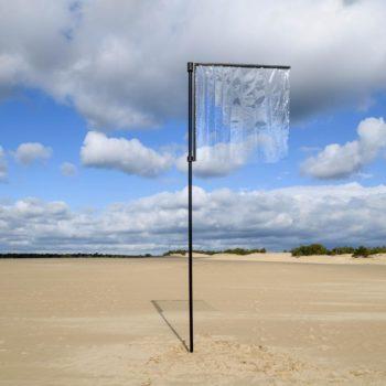 la bandiera trasparente nel beauty